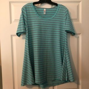 New Without Tags Lularoe Perfect Tee size Medium